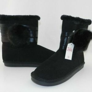 New Justice Black PomPom Boot Size 7 Teen
